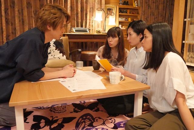左から猪塚健太、桜井ユキ、武田梨奈、加藤ローサ。