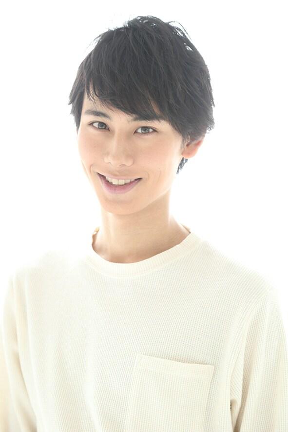 新星玲央役の中村太郎。