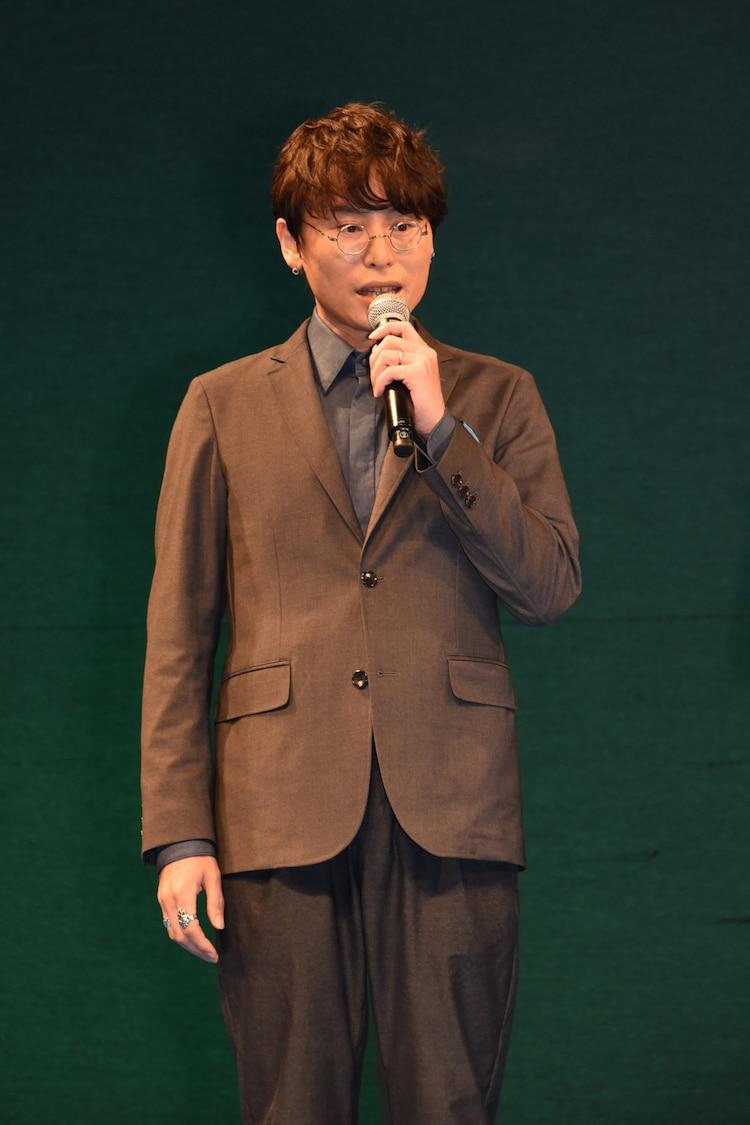 長井龍雪監督