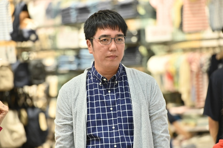 小木博明扮する北河弘章。(c)TBS