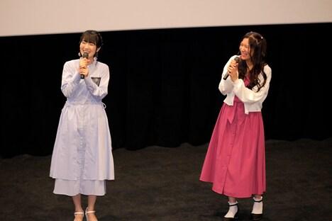 「アサシンズプライド」先行上映会より。左から石川由依、薮内満里奈。