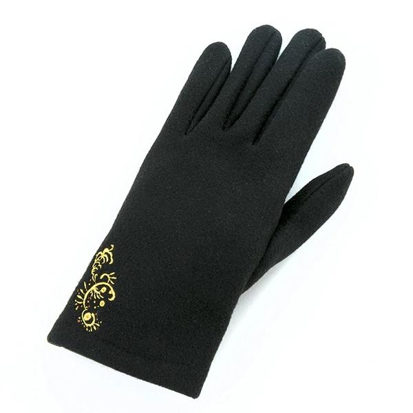 和泉三月モデルの手袋。