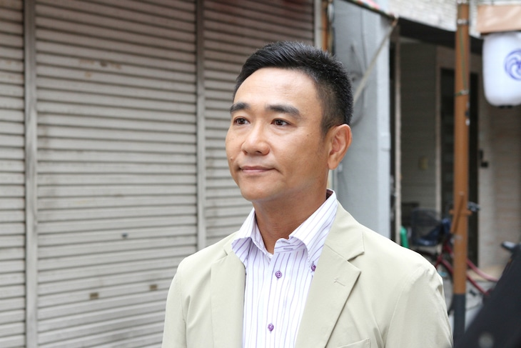八嶋智人扮する波野ノリスケ。