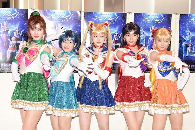 「乃木坂46版 ミュージカル『美少女戦士セーラームーン』2019」囲み取材の様子。