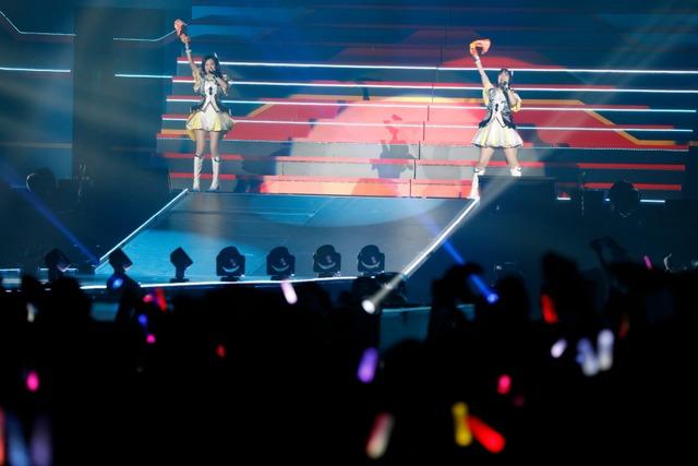 平田宏美、戸田めぐみによる「Beat the World!!」。