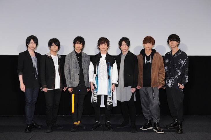 左からランズベリー・アーサー、前田誠二、橋本祥平、伊藤昌弘、森嶋秀太、日向大輔、小笠原仁。
