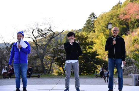左からYO!YO!YOSUKE、K&Kデザインの川上博氏、中京テレビの河原理雄氏。