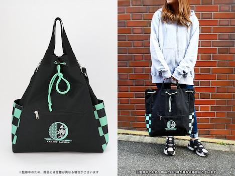 竈門炭治郎をモチーフにした3wayバッグの使用イメージ。