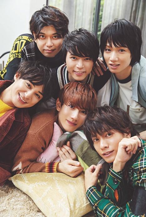 CanCam2020年1月号に登場する舞台「おそ松さん」のキャスト陣。