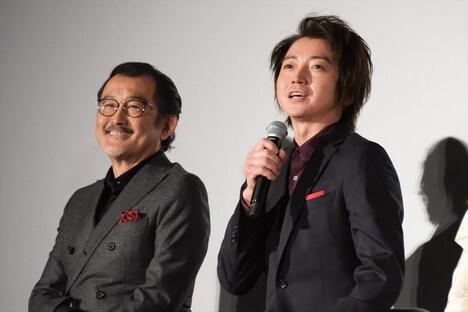 左から吉田鋼太郎、藤原竜也。