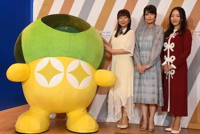 奈須きのこの着ぐるみ、下屋則子、川澄綾子、植田佳奈。