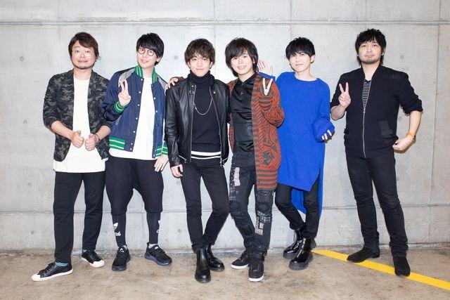 ステージイベントに登壇したキャストの集合写真。左から興津和幸、花江夏樹、石川界人、村瀬歩、梶裕貴、中村悠一。