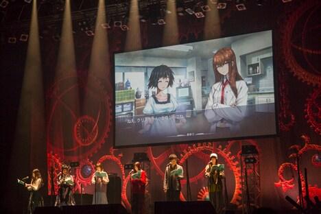 昼公演のボイスドラマの様子。左から後藤沙緒里、桃井はるこ、花澤香菜、今井麻美、関智一、小林ゆう。