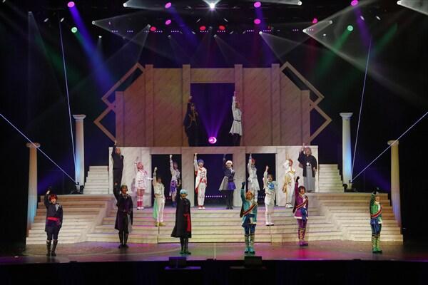 舞台「KING OF PRISM -Shiny Rose Stars-」より。