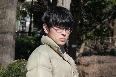 ドラマ「いとしのニーナ」より、望月歩扮する押川正行(マサ)。