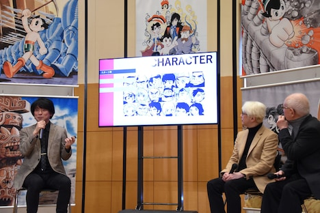 「TEZUKA2020」の新作マンガお披露目イベントの様子。