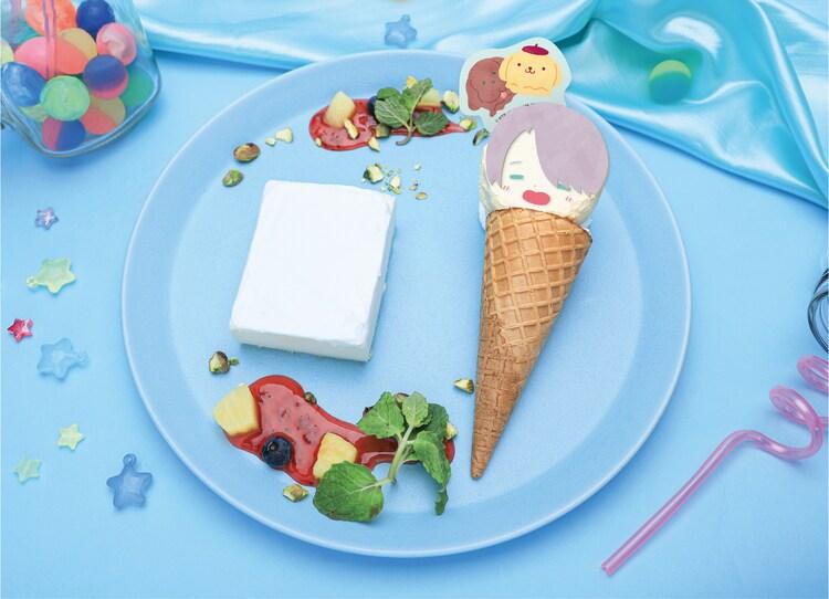 「チーズケーキ&アイスプレート」のイメージ。好きなキャラクターのアイスを選ぶことができる。
