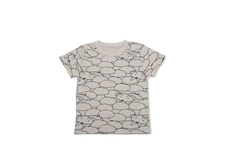 「クレヨンしんちゃん」とグラニフのコラボTシャツ。