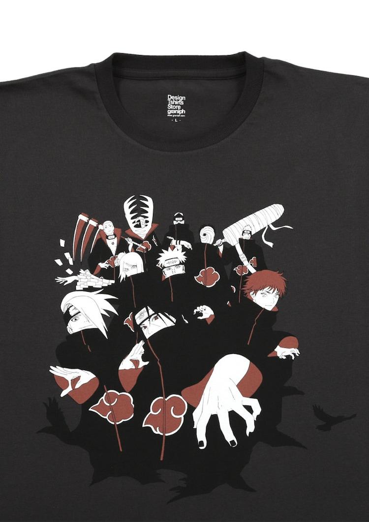 「NARUTO-ナルト-」をモチーフにしたTシャツ。
