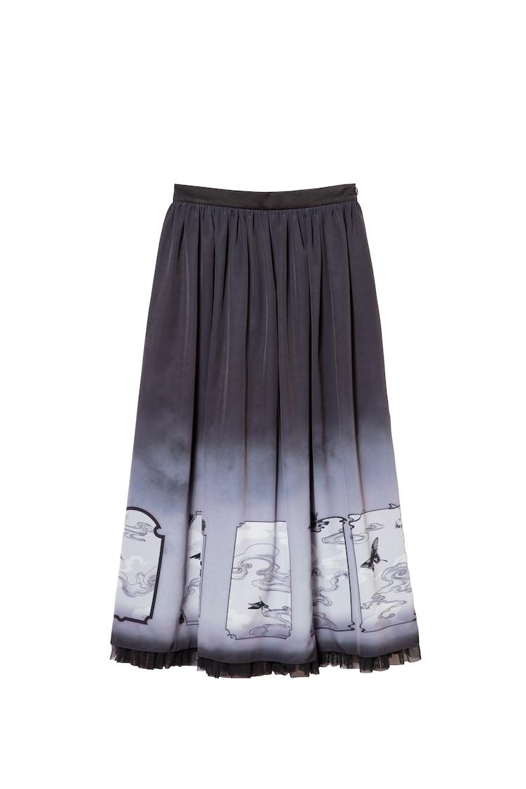 「xxxHOLiC ロングスカート」(c)CLAMP・ShigatsuTsuitachi CO.,LTD. /講談社
