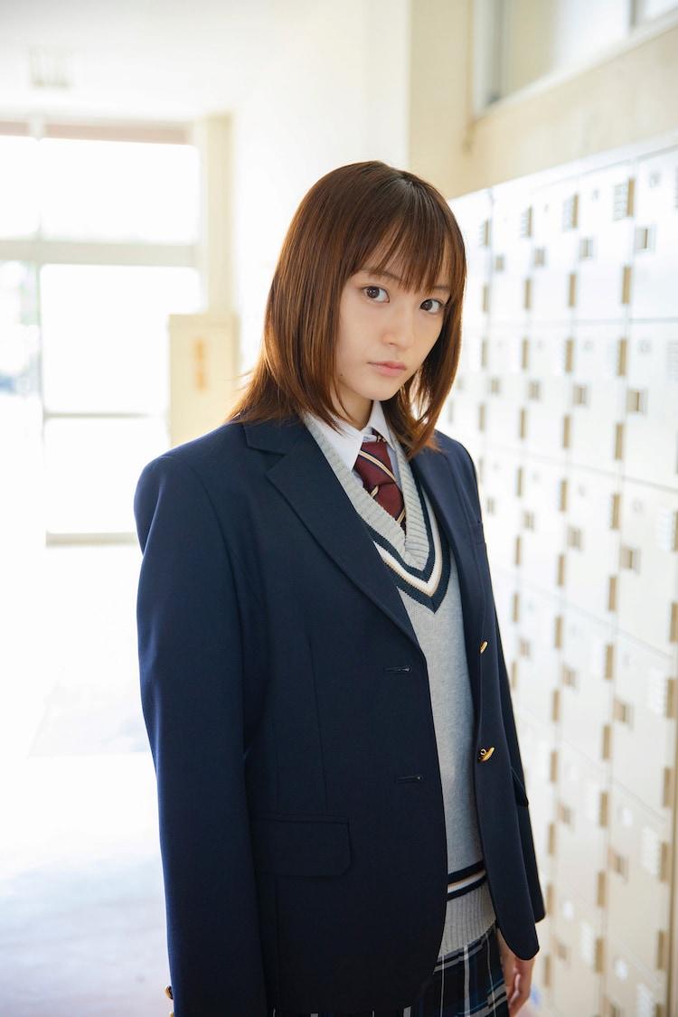 萩原みのり扮する浅川夏帆。 (c)西森博之/小学館 (c)「お茶にごす。」製作委員会