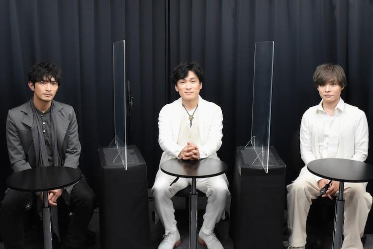 朗読劇「ボイスシアター-シェイクスピア-」より、左から津田健次郎、森田成一、岡本信彦。