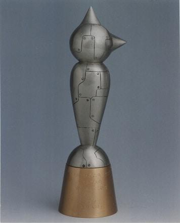 正賞の鉄腕アトム像。