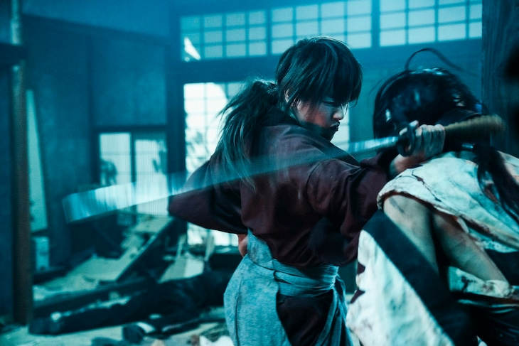 「映画 るろうに剣心 最終章 The Final/The Beginning 写真集」より、「The Final」の場面写真。
