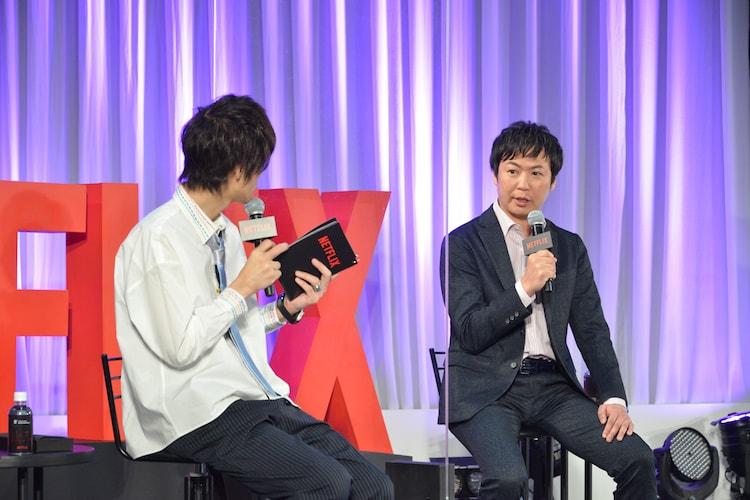 左からニッポン放送の吉田尚記アナウンサー、Netflixアニメの櫻井大樹チーフプロデューサー。