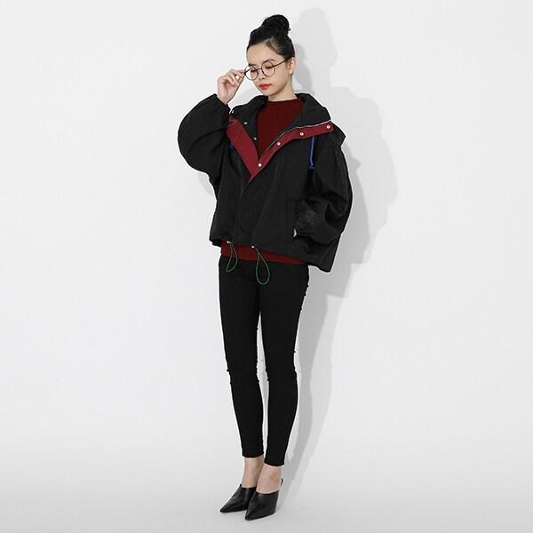 冨岡義勇モデルのアウターの着用イメージ。