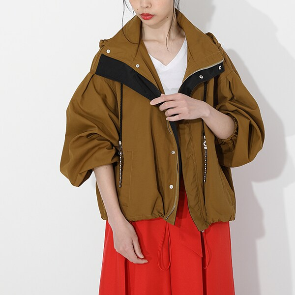 悲鳴嶼行冥モデルのアウターの着用イメージ。