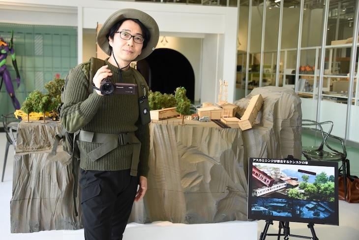 第3村ミニチュアセットのメディア向け内覧会に出席した岩永哲哉。