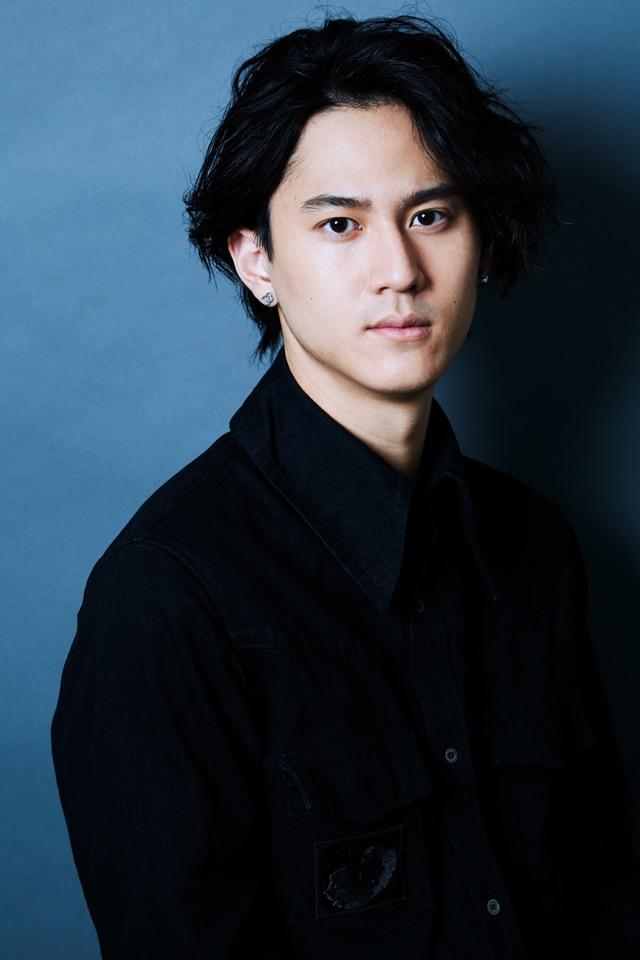 TEKU(世界)役の武内駿輔。