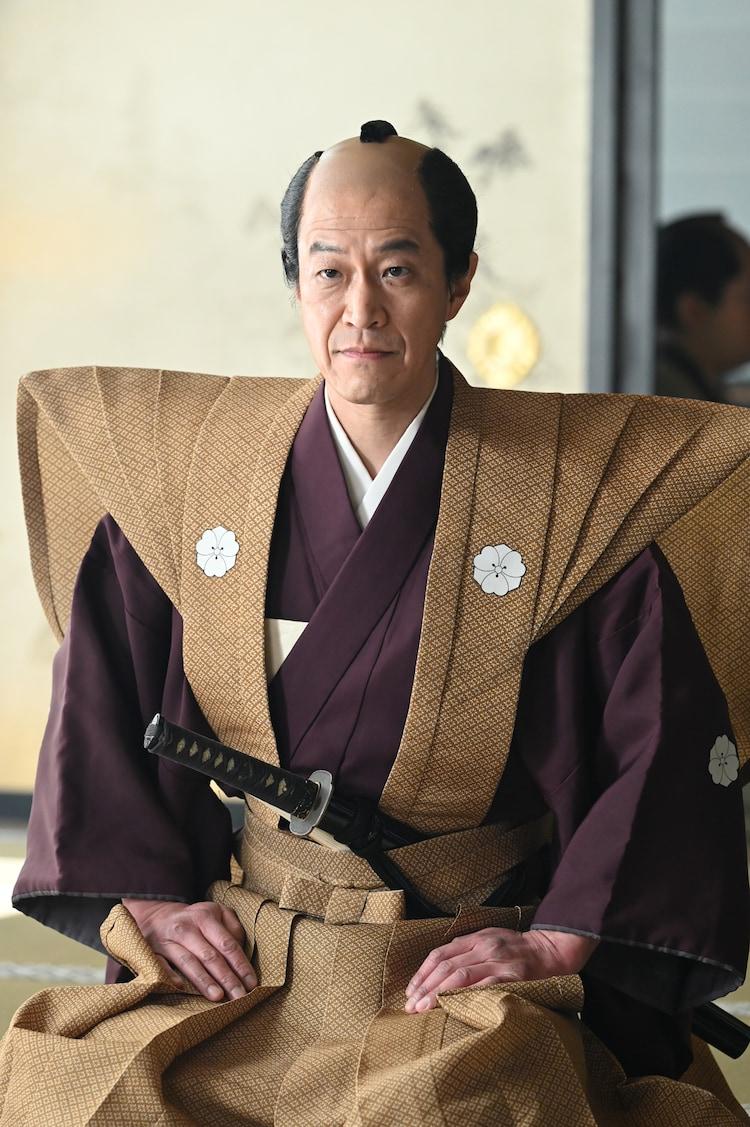 小山力也扮する酒井忠績。(c)NHK