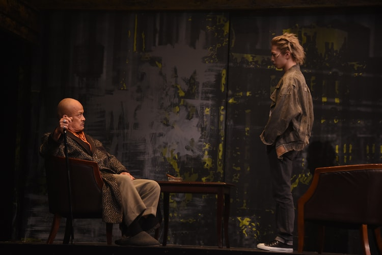 赤星昇一郎扮するディノ・F・ゴルツィネと、早乙女友貴扮するフレデリック・オーサーの決闘シーン。