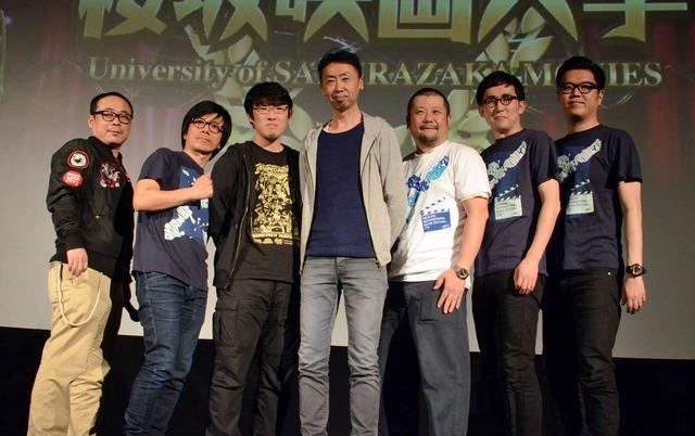 「劇場版 テレクラキャノンボール2013」上映イベントの様子。左から、バッファロー吾郎、松江哲明、カンパニー松尾、ケンドーコバヤシ、シソンヌ。