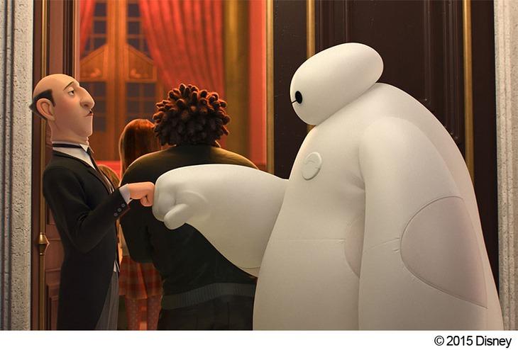 「ベイマックス」場面写真 (c)2015 Disney