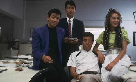 1988年公開「またまたあぶない刑事」のカット。まったく変わらない4人の姿がうかがえる。(c)東映・日本テレビ放送網・セントラルアーツ・ キティ・フィルム