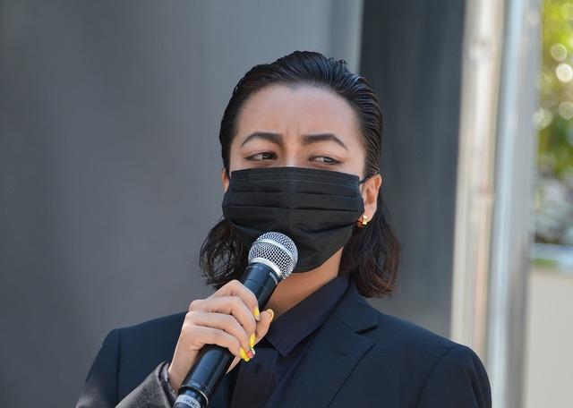 山田孝之扮する南秀吉のモノマネメイクで登場したざわちん。彼女が登場した時、観客は完全に山田だと思い込んでいた。