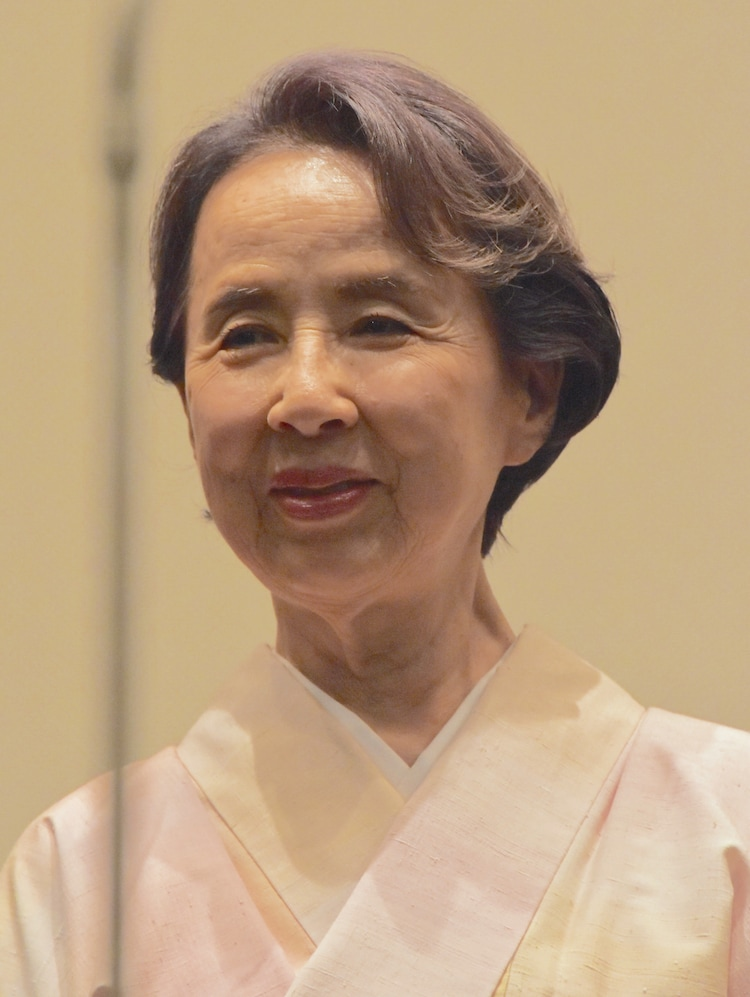 2015年5月、「ゆずり葉の頃」の初日舞台挨拶に登壇した八千草薫。