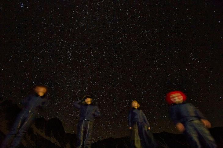映画「進撃の巨人」の主題歌を担当するSEKAI NO OWARI。