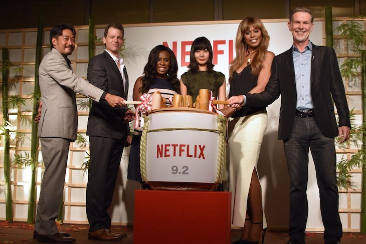 Netflixメディアセッションイベントにて、鏡割りの様子。