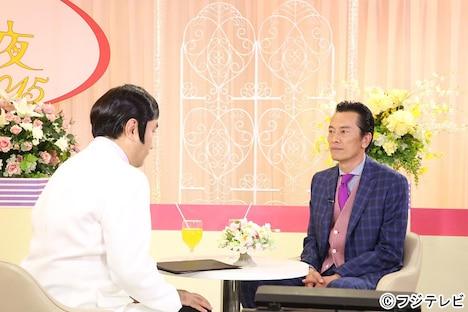 三谷幸喜(左)と遠藤憲一(右)。