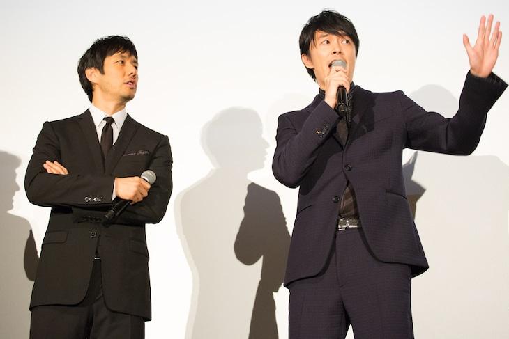 左から西島秀俊、長谷川博己。