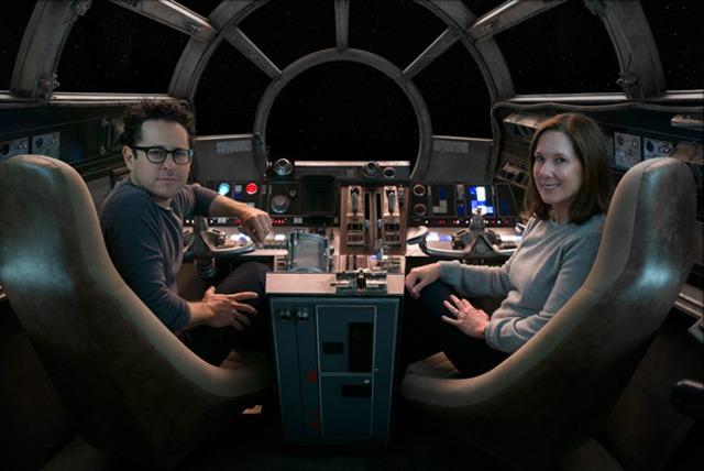 「スター・ウォーズ/フォースの覚醒」監督のJ.J.エイブラムス(左)と、ルーカス・フィルム共同会長のキャスリーン・ケネディ(右)。