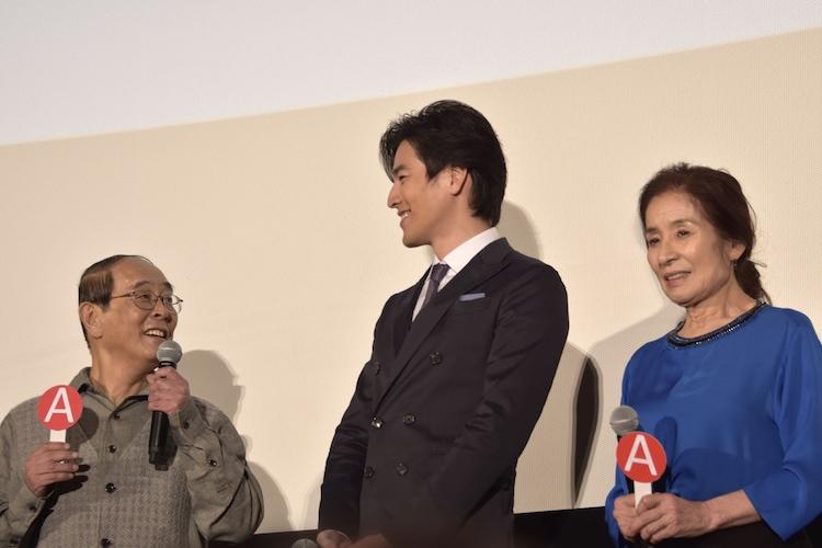 左から志賀廣太郎、要潤、倍賞美津子。