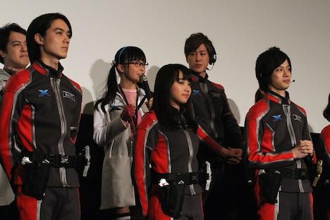 左から松本享恭、坂ノ上茜、高橋健介。