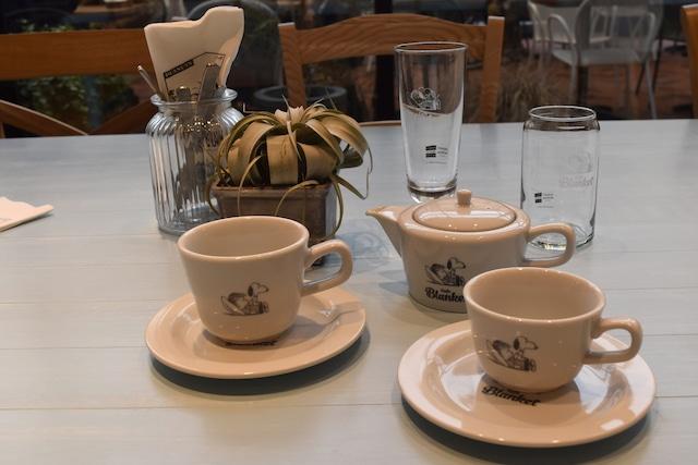 Cafe Blanketでドリンクメニュー提供時に使用される食器。