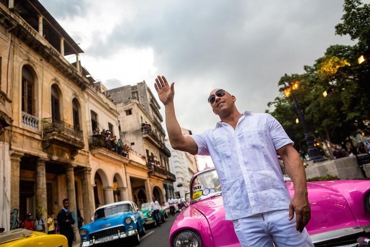 現地時間2016年5月3日、キューバで行われたシャネルのファッションショーに出席したヴィン・ディーゼル。(写真提供:Liu Bin Xinhua News Agency / Newscom / ゼータ イメージ)