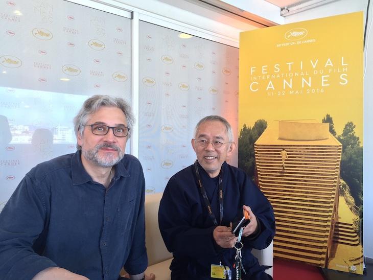 第69回カンヌ国際映画祭にて、左からマイケル・デュドク・ドゥ・ヴィット、鈴木敏夫。